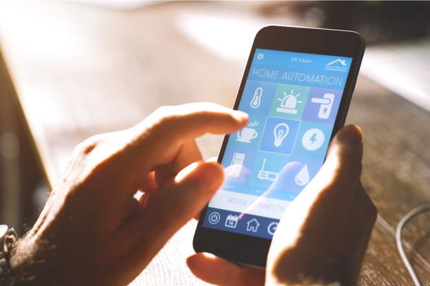 Les principaux fabricants de smart devices (Amazon, Google, Apple et l'Alliance Zigbee) ont donc décidé de se réunir pour la création d'un standard commun baptisé «Project Connected Home over IP».  (Photo: Shutterstock)