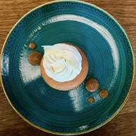 Les desserts sont bons, mais certains manquent encore de caractère, comme le baba au rhum. ((Photo: Maison Moderne))