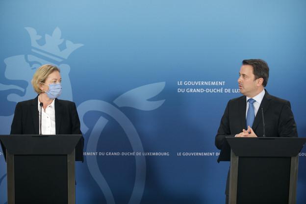 La ministre de la Santé et le Premier ministre. (Photo: Matic Zorman / Maison Moderne)