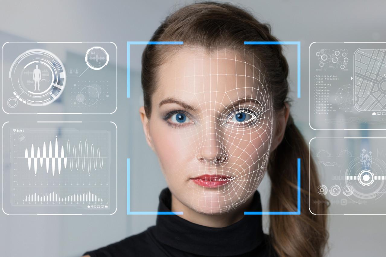 L'utilisation de la reconnaissance faciale s'étend à d'autres usages que la sécurité, comme le paiement dans un supermarché, le passage accéléré au contrôle d'un aéroport ou le retrait d'argent à un distributeur. (Photo: Shutterstock)
