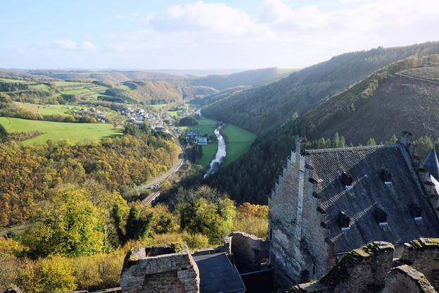 La boucle de randonnée de 10,5kilomètres qui part de Bourscheid permet de visiter son château, perché sur un promontoire rocheux, qui comblera les amateurs de patrimoine. (Photo: Shutterstock)