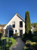 L'extérieur de cette maison à Ernster, avant le début des travaux de rénovation en 2019. ((Photo: Batipol))