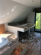 L'une des salles de bains de la maison pendant les travaux de rénovation. ((Photo: Batipol))