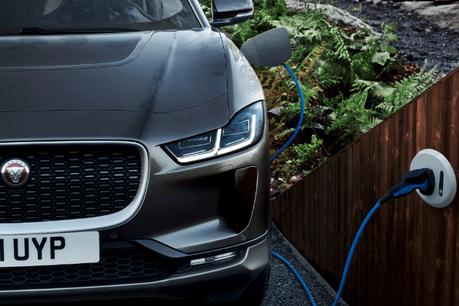 Jaguar I-PACE en recharge JAGUAR
