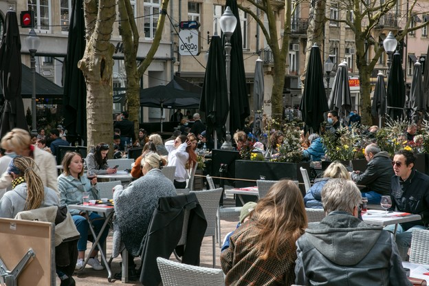 La vie normale reprend peu à peu ses droits, faisant naturellement reculer le chômage. (Photo: Romain Gamba/Maison Moderne)