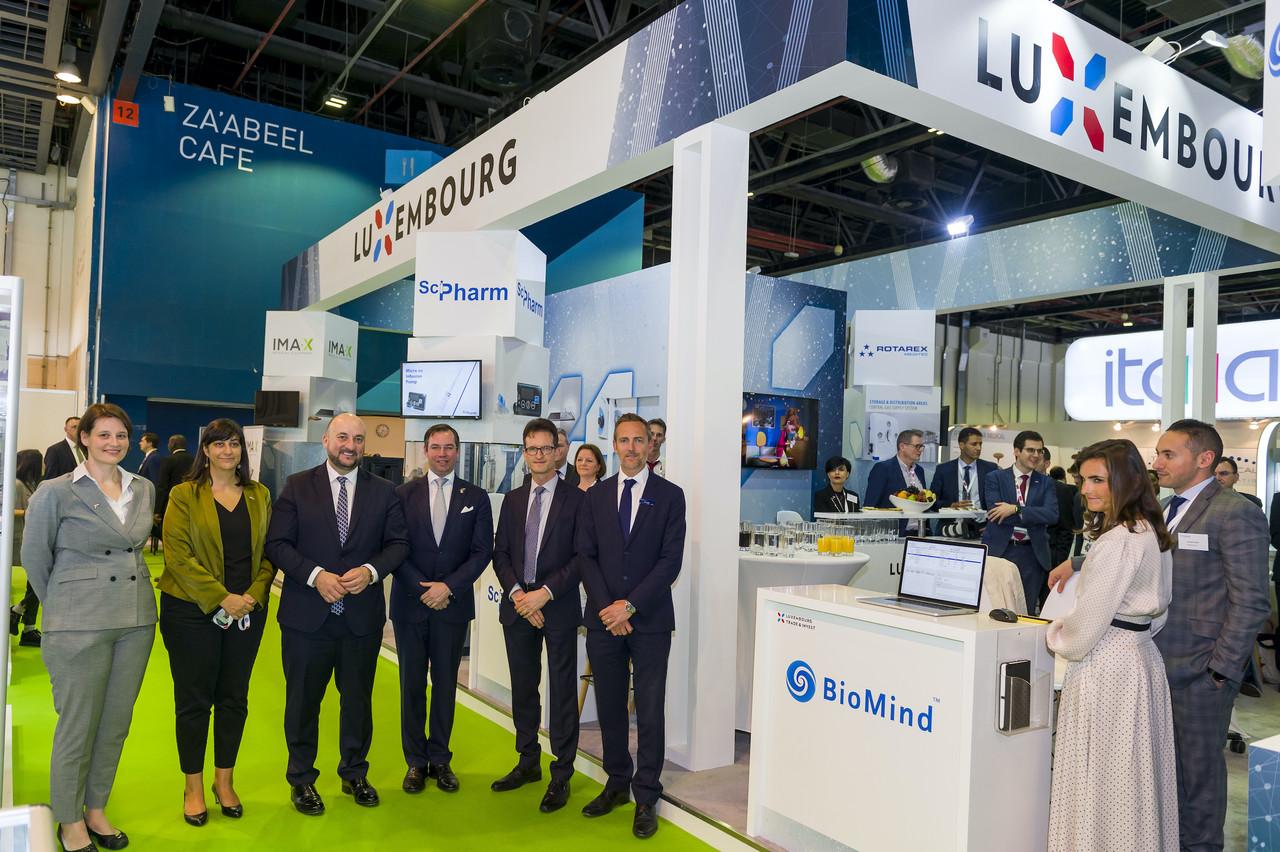 Dans l'alignement des pavillons de la Russie et de la Belgique, celui du Luxembourg a trouvé une place enviable. (Photo: SIP)