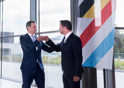 Les Premiers ministres Alexander De Croo et Xavier Bettel ont annoncé un accord entre les deux pays lors d'une conférence de presse ce mardi 31 août. (Photo: Nader Ghavami)