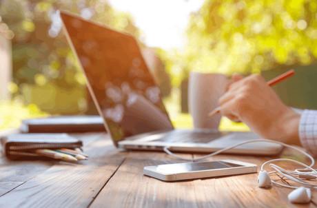 Le salarié qui exerce plus de 25% de son activité hors du Grand-Duché doit s'affilier à la sécurité sociale de son pays de résidence. Un frein à la généralisation du télétravail. (Photo: Shutterstock)