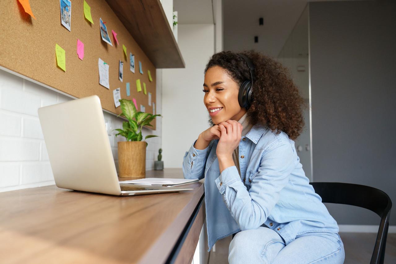 La formation s'est mise au digital pendant la crise, même si beaucoup de clients semblent attendre la reprise des cours collectifs en présentiel, pas toujours possible dans les entreprises. (Photo: Shutterstock)