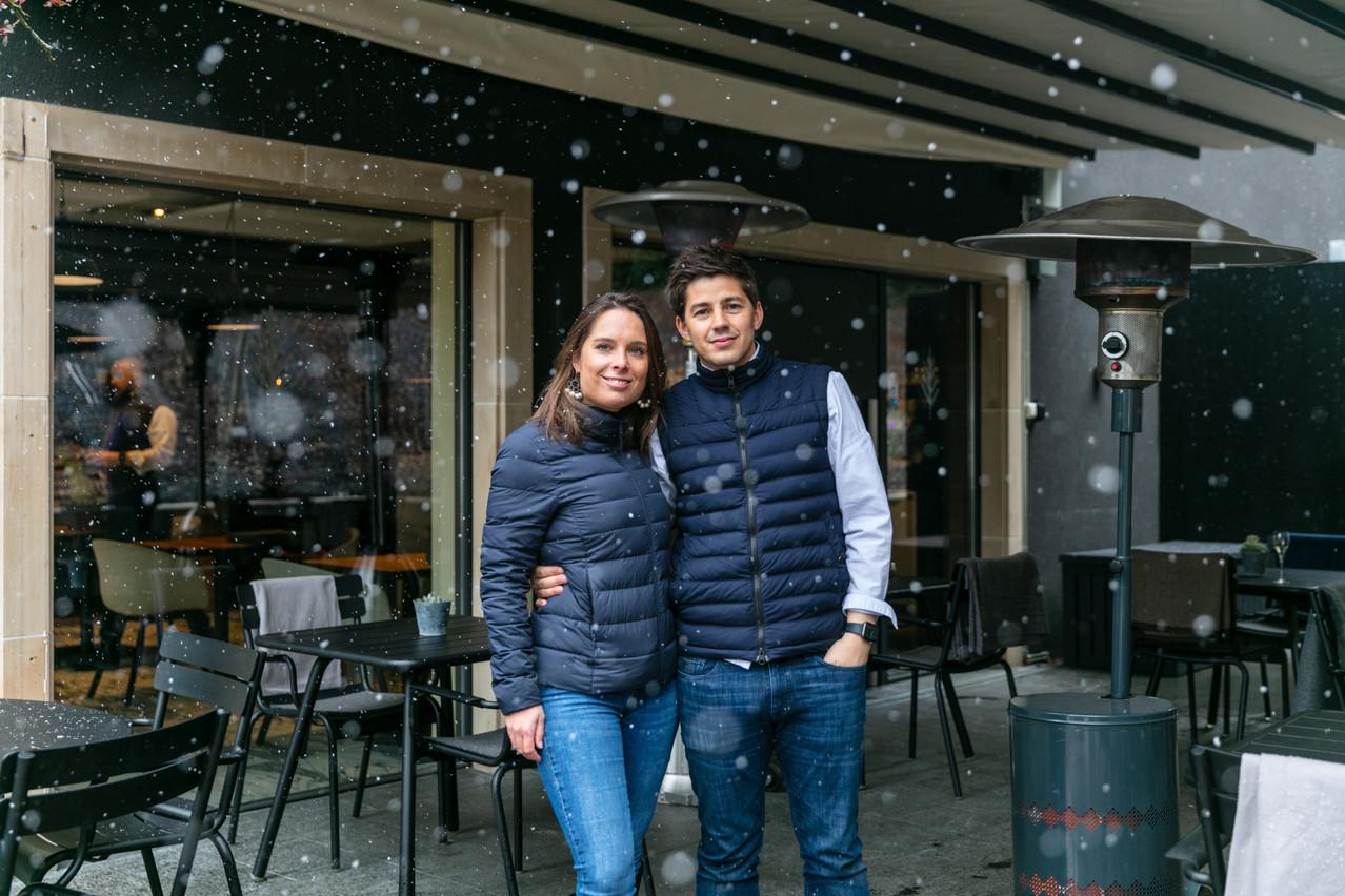 AlineBourscheid et ClovisDegrave sont confiants: les prochains jours devraient ramener à la fois redoux et clients à L'Hostellerie du Grünewald. (Photo: Romain Gamba/Maison Moderne)