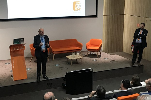 Jean-Pascalvan Ypersele (à gauche) et PhilippeLedent s'accordent sur l'idée de rendre plus chers les produits nuisibles pour le climat. (Photo: DR)
