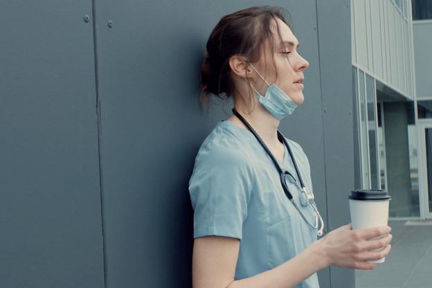 Les secteurs de la santé, comme les activités hospitalières, sont concernés parl'augmentation du temps de travail à un maximum de 12 heures par jour et 60 heures par semaine. (Photo: Shutterstock)