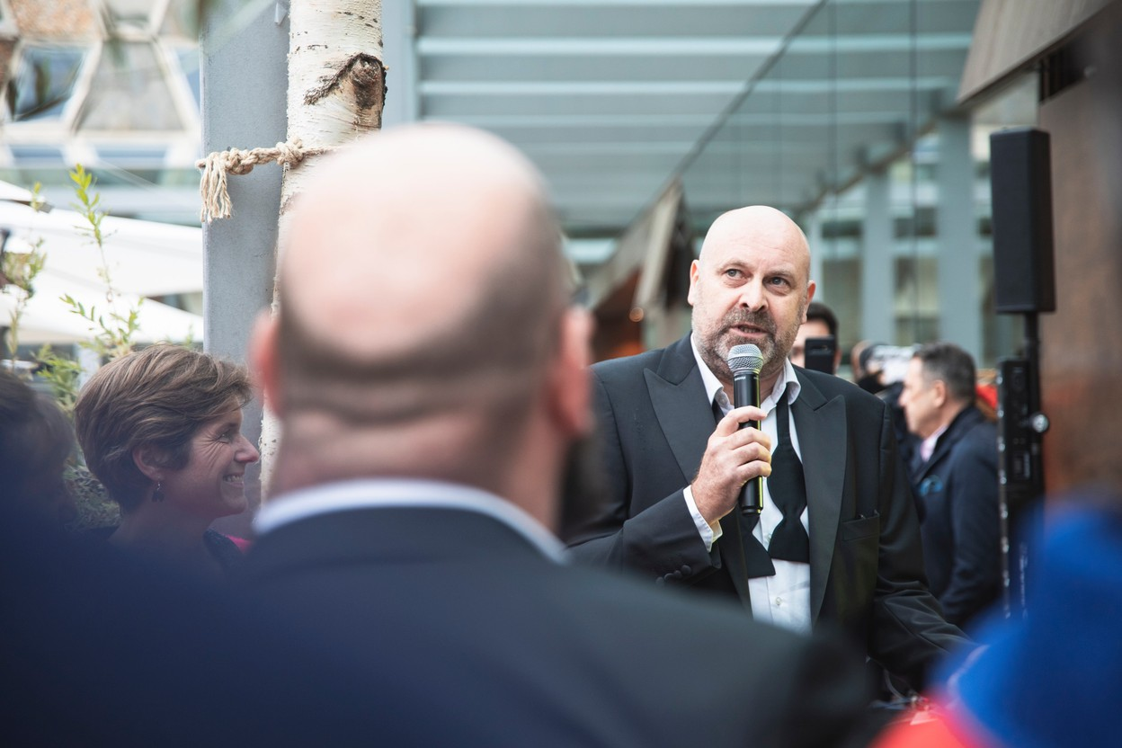Duncan Roberts, Delano's editor-in-chief, is seen speaking during Delano's 10th anniversary party, 13 July 2021. Simon Verjus/Maison Moderne
