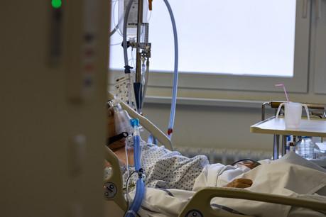 La task force s'inquiète des effets des variants sur les hospitalisations. Plus contagieux, ils s'avèrent aussi plus dangereux. (Photo: Nader Ghavami/Maison Moderne)