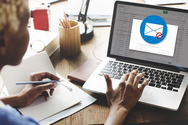 Les acteurs de la Place ne vous demanderont jamais de mettre à jour vos informations personnelles avec un lien par e-mail ou SMS. Ces communications se font uniquement dans les espaces de messageries sécurisées de votre banque. (Photo: Shutterstock)