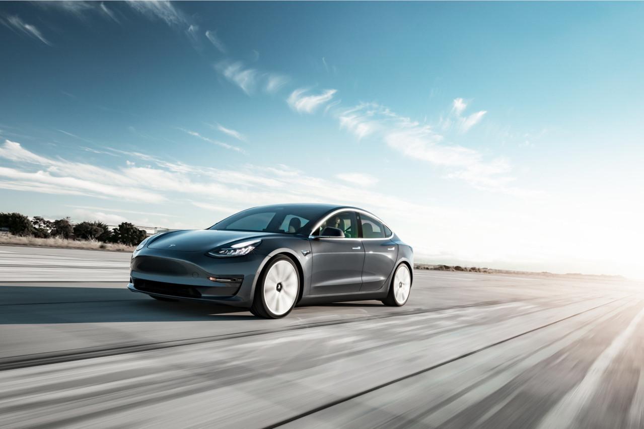 L'organisme européen en charge de tester la sécurité des modèles automobiles sur le marché européen n'est pas tendre avec la technologie embarquée de la Tesla3. (Photo: Shutterstock)