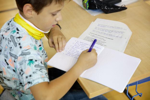 Après les masques dès l'âge de six ans, on va passer aux tests dans les écoles. (Photo: Romain Gamba/ Maison Moderne)