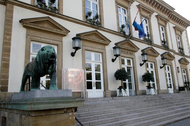 Les bons à utiliser en pharmacie sont à la disposition des particuliers et des professionnels de la restauration à l'hôtel de ville de la capitale. (Photo: EC)
