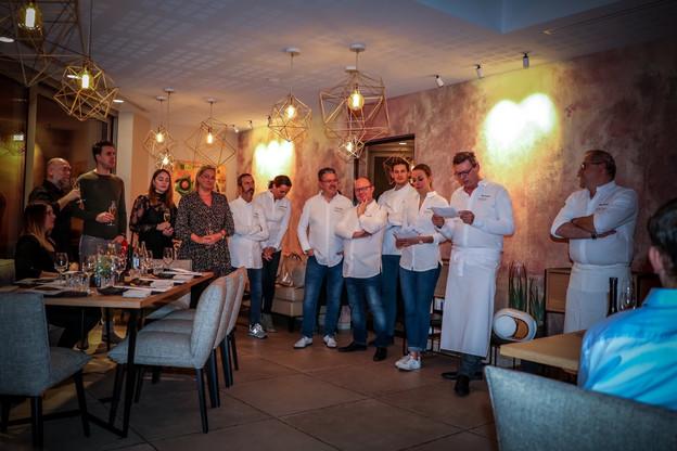 11 ambassadeurs de renom et 50 gourmets curieux ont fit vibrer le premier dîner Foodamental (Photo: Mickaël Williquet /  Horeca Media )
