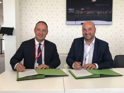 Au côté du CEO de Thales Alenia Space, Jean-Loïc Galle, l'ex-ministre de l'Économie, Étienne Schneider, avait annoncé le nouveau centre d'excellence dès juin2019. (Photo: Archives SIP)