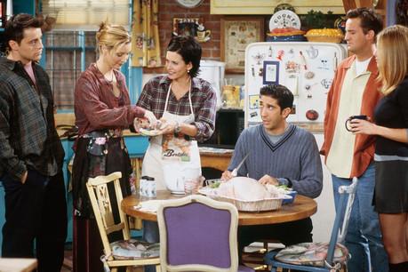 On entend peu parler de cette célébration américaine en Europe, hormis via des films et séries, comme, ici, Friends, qui compte quelques épisodes axés sur Thanksgiving. (Photo: NBC)