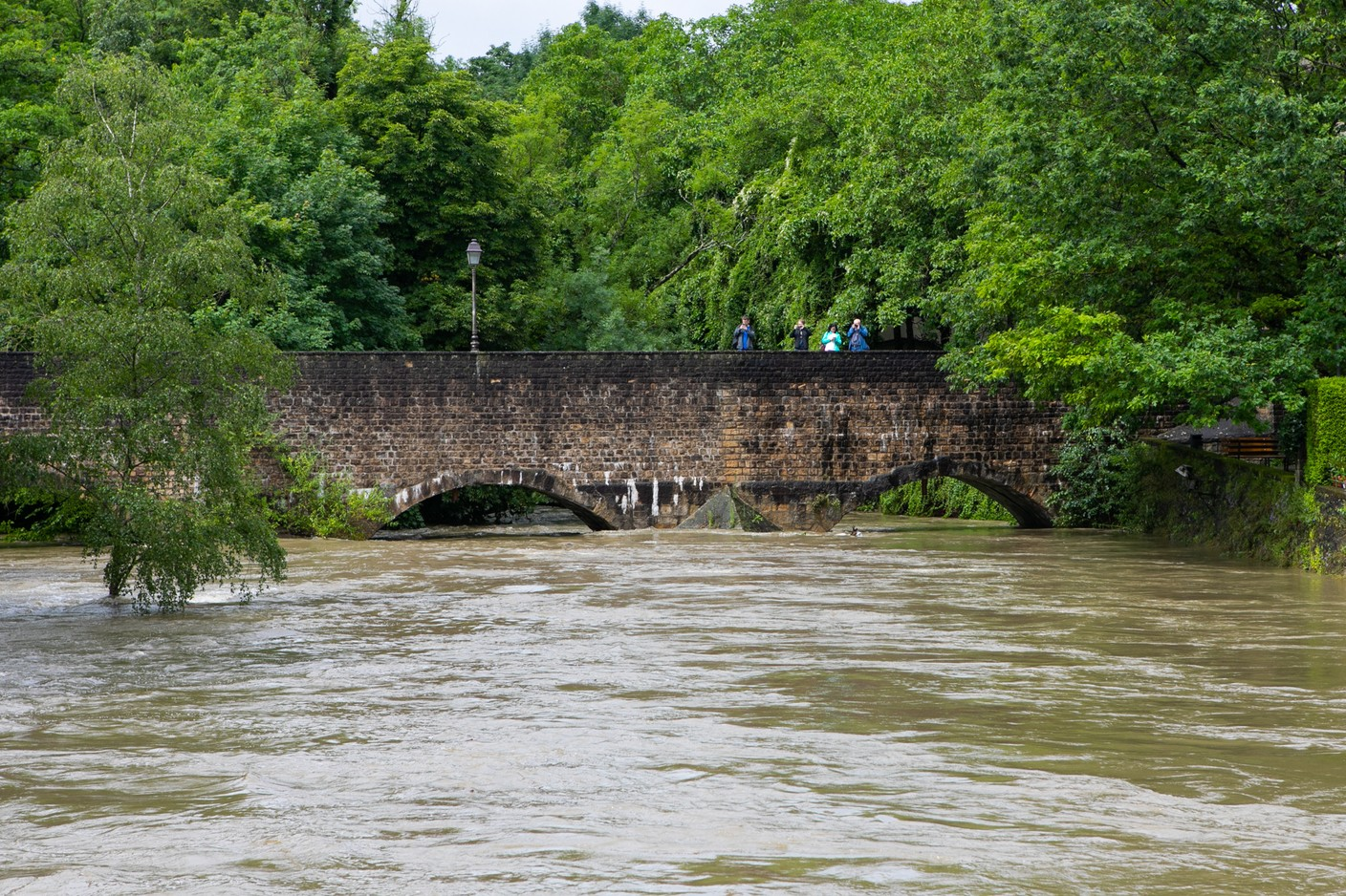 Heavy rainfall led the Alzette river to swell in Luxembourg City's Grund district, 15 July 2021. Matic Zorman / Maison Moderne