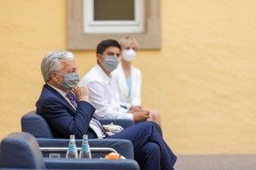 Didier Reynders, European Justice Commissioner, Hugo Silvério Da Costa, student at the Lycée Aline Mayrisch, and Karin Basenach, director of the European consumers' centre (Photo: Romain Gamba/Maison Moderne)