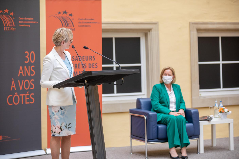 Karin Basenach, director of the European Centre for Consumers Paulette Lenert, minister for consumer protection (Photo: Romain Gamba/Maison Moderne)