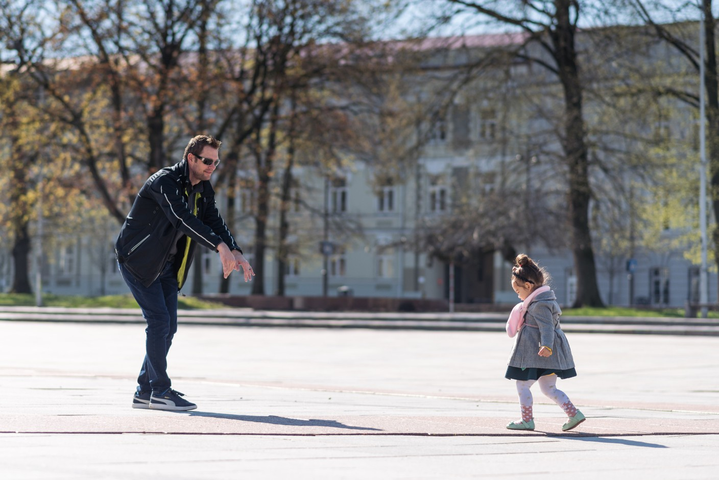 Despite the increase in the tax credit and family allowances, a gap in net disposable income persists between single-parent families and married couples, according to the activist group Collectif Monoparental. Photo: EC
