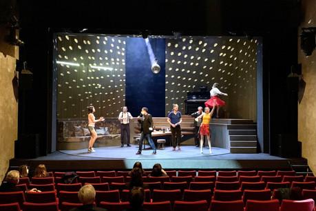 Le Théâtre des Capucins reprend du service avec«On ne badine pas avec l'amour» et ne boude pas son plaisir d'accueillir à nouveau son public. (Photo: Maison Moderne)