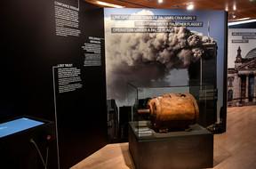 Les attentats du 11 septembre 2001: les médias traditionnels nous disent-ils vraiment la vérité? ((Photo: Les 2 Musées de la Ville de Luxembourg, photo : C. Soubry))