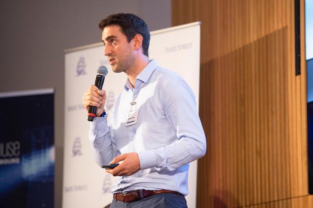 Tokeny, ici représenté par son directeur du business development Mathieu Cottin à leur élection comme fintech de l'année par KPMG l'an dernier, figure une nouvelle fois dans le FinTech50. (Photo: Anthony Dehez)