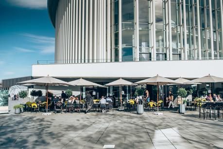 Au Tempo, le cadre spectaculaire de la place de l'Europe se mêle au savoir-faire du chef Morris Clip. (Photo: Sébastien Goosens)