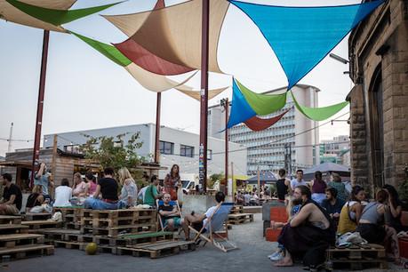 La terrasse des Rotondes accueille une partie de la programmation des Congés Annulés. (Photo: LetsPicsAboutit)