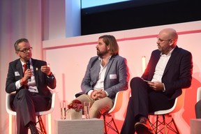 Dr Stephan Herbst (Toyota Motor Europe), Thorsten Herbert (National Organization for Hydrogen and Fuel Cell Technology) et Duncan Roberts (Delano) ((Photo: Total Luxembourg))