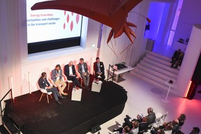 Table ronde sur le thème: «Energy transition: opportunities and challenges in the transport sector» ((Photo: Total Luxembourg))