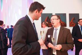 Lex Delles (Ministre des Classes moyennes et du Tourisme) et Patrick Schnell (Total Luxembourg) ((Photo: Total Luxembourg))