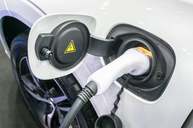 Selon TotalEnergies,52% des recharges de voitures électriques ont lieu à la maison. (Photo: Shutterstock)