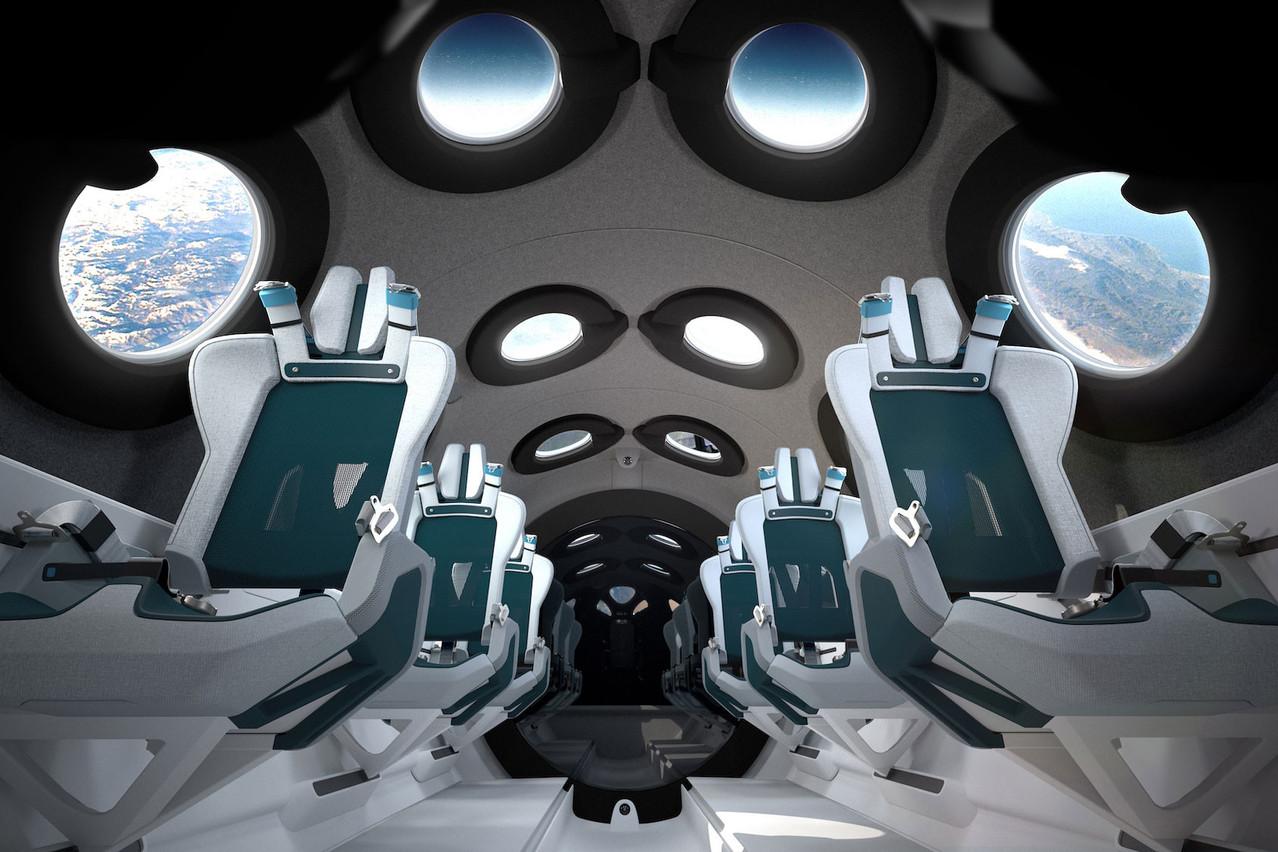 À 250.000 dollars le siège, pour l'instant, le vol suborbital de Virgin Galactic promet «seulement» cinq minutes d'apesanteur et une vue de la Terre qui n'oblige plus à suivre le fil Twitter de ThomasPesquet. (Photo: Virgin Galactic 2020)