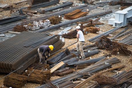 Malgré la pénurie de matériaux, les entrepreneurs de la construction sont les plus optimistes, puisque 42% s'attendent à une hausse de leur chiffre d'affaires au cours des six prochains mois. (Photo: Anthony Dehez/Maison Moderne)
