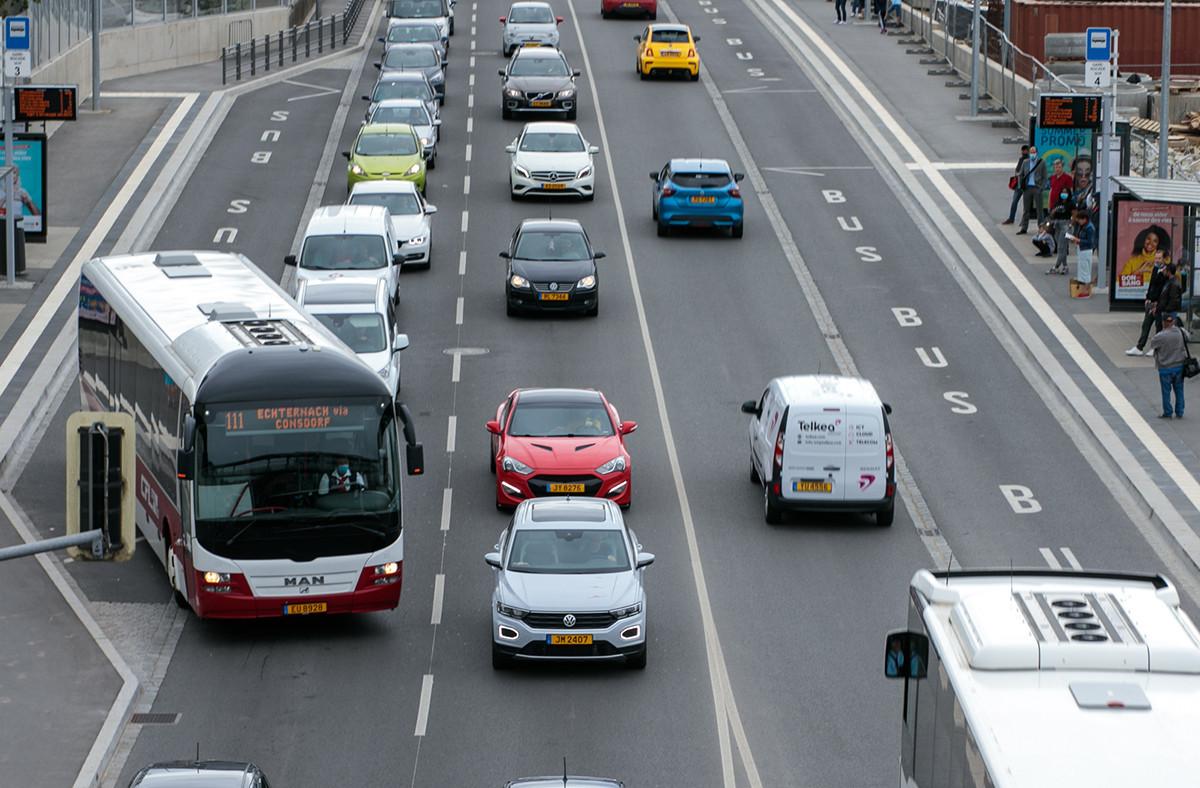 Les embouteillages sont repartis à la hausse il y a deux semaines, pour continuer à augmenter cette semaine et atteindre des niveaux très standards d'embouteillages, similaires à ceux de 2019 sur la même période, selon le TomTom Traffic Index. (Photo: Matic Zorman / Maison Moderne / archives)