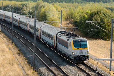 Les trains venant de Bruxelles étaient bloqués en gare d'Arlon. (Photo: Shutterstock)