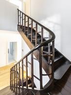 L'escalier ancien a été maintenu et restauré. ((Photo:Laurent Antonelli))