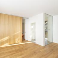 L'entrée se fait par un sas vitré donnant sur le salon. ((Photo:Laurent Antonelli))