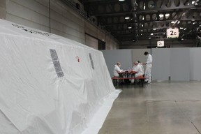 Le montage du centre de soins avancés. ((Photo: gouvernement luxembourgeois))