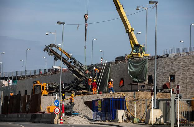 Sous des conditions strictes, les ouvriers pourraient retourner sur les chantiers la semaine prochaine. (Photo: Matic Zorman/Maison Moderne/archives)