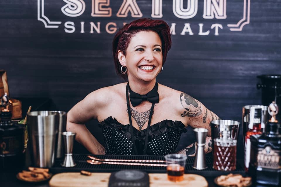 Cathy Mutis met son expertise au service de plusieurs marques de spiritueux, dont The Sexton. (Photo: Cathy Mutis)
