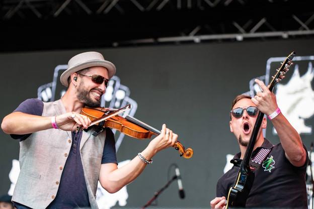 Le groupe punk folk Schëppe Siwen sur la scène du festival e-Lake en 2018. (Photo: Paradox 8)