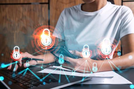 Les professionnels de la cybersécurité manquent et manqueront dans les années à venir. L'initiative d'un BTS offrira des débouchés certains à ces jeunes diplômés très attendus. (Photo: Shutterstock)