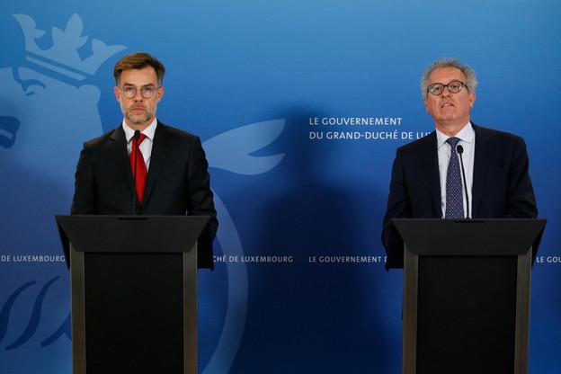 Les ministres FranzFayot et PierreGramegna se félicitent que les prolongations des mesures aient trouvé un écho favorable auprès d'une majorité de députés. (Photo: SIP/JulienWarnand)